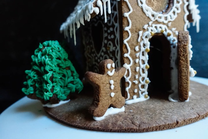 gingerbread-house-10